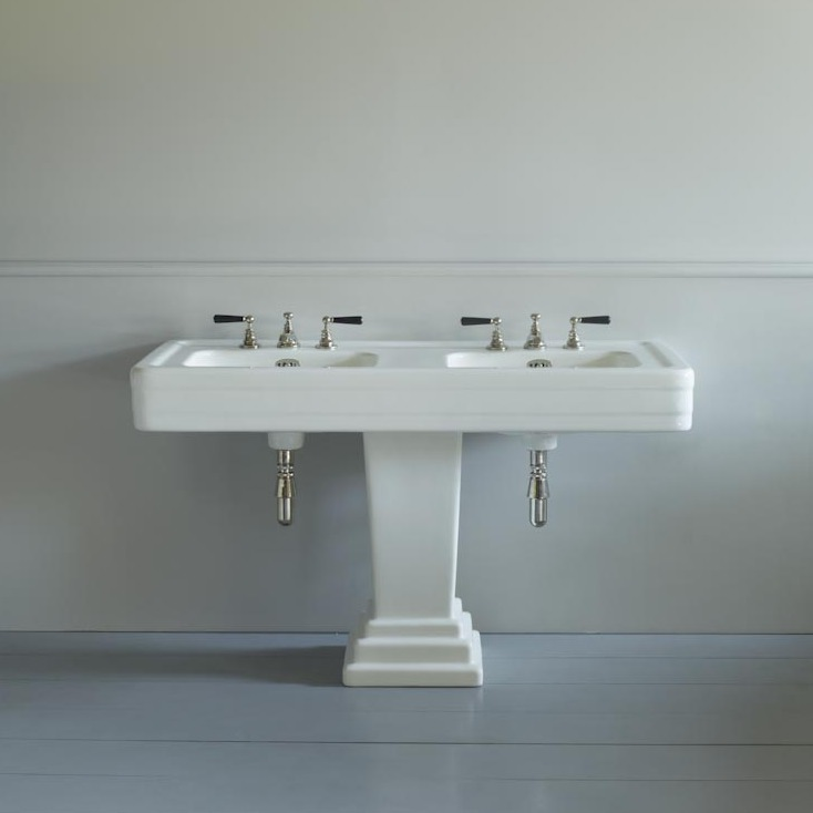 Antique Deco Double Basin On A Pedestal