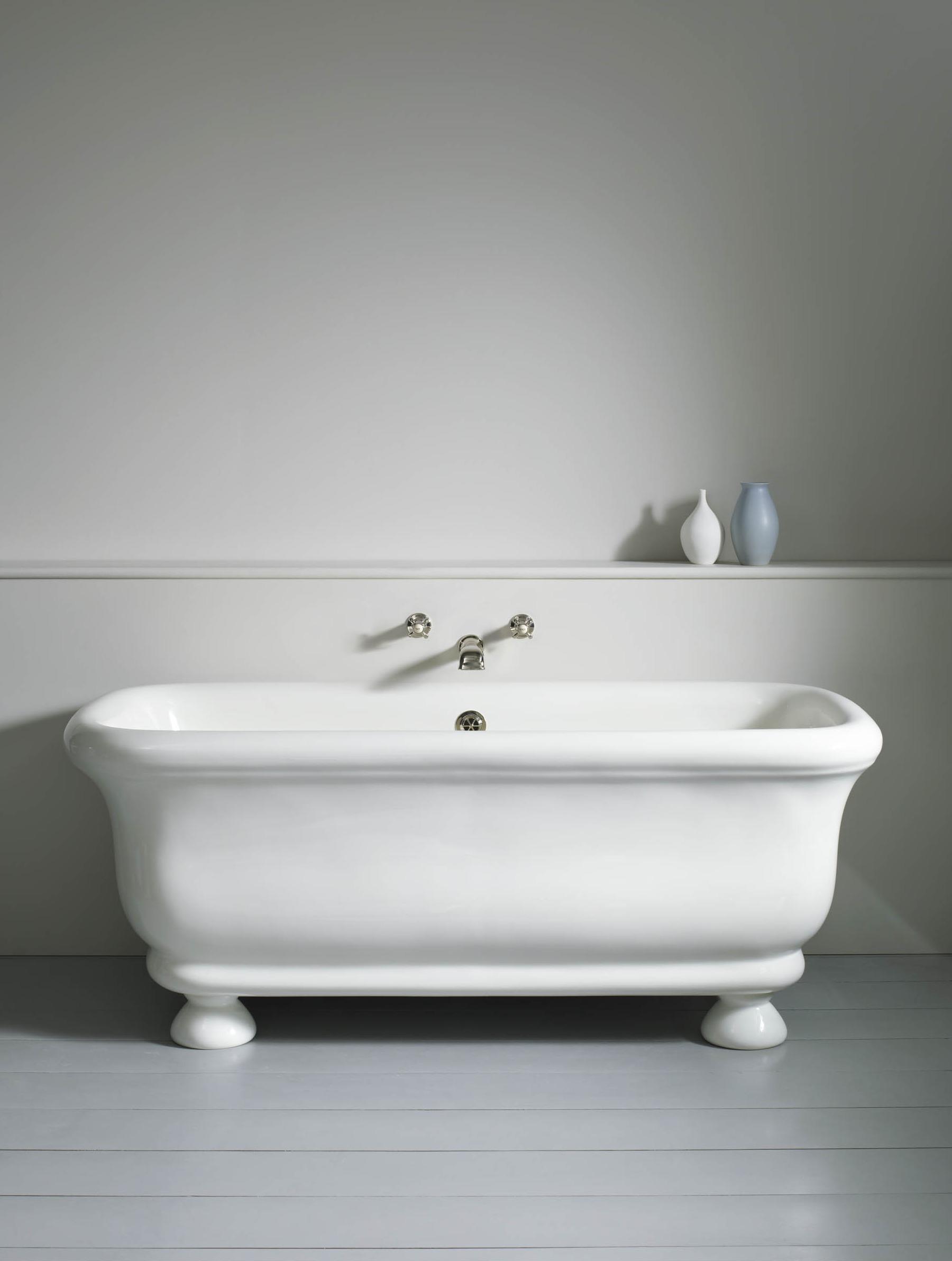 Paris Bath with feet