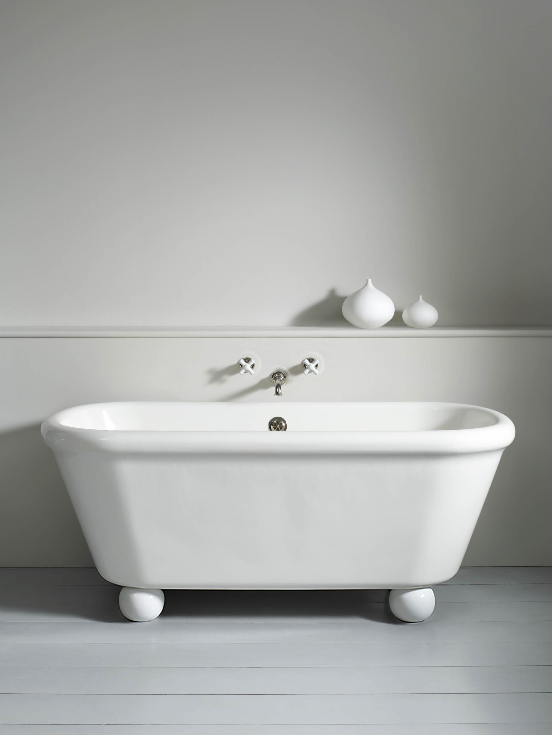 Rockwell Bath With Feet