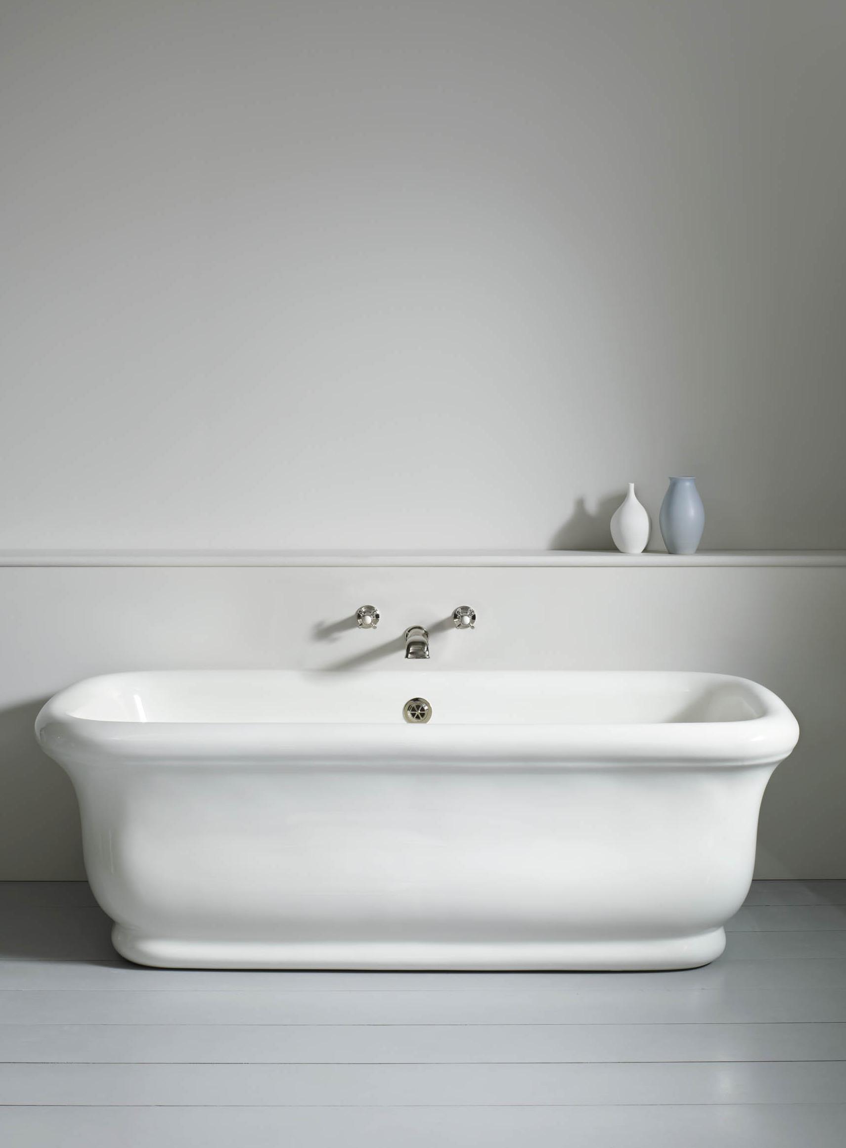 Paris Bath Without Feet